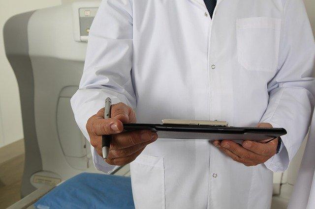 lékař v nemocnici