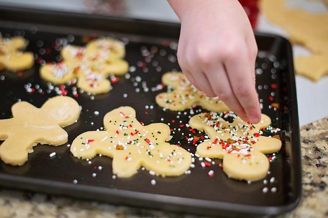 pečení vánočních sušenek