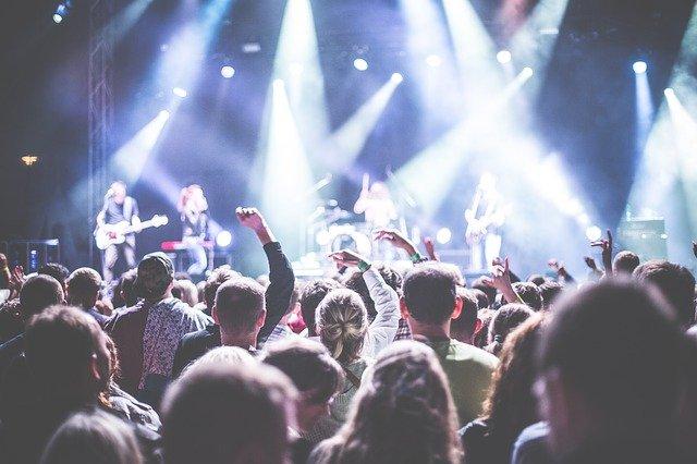 Léto, přátelé a kvalitní hudba