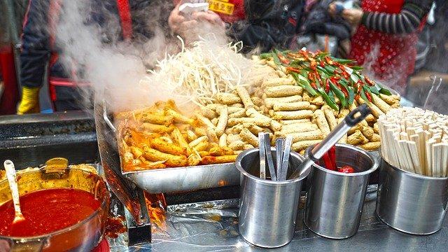 Jak se v zahraničí bez obav najíst?