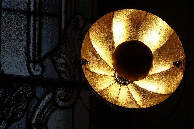 světlo lampy.jpg