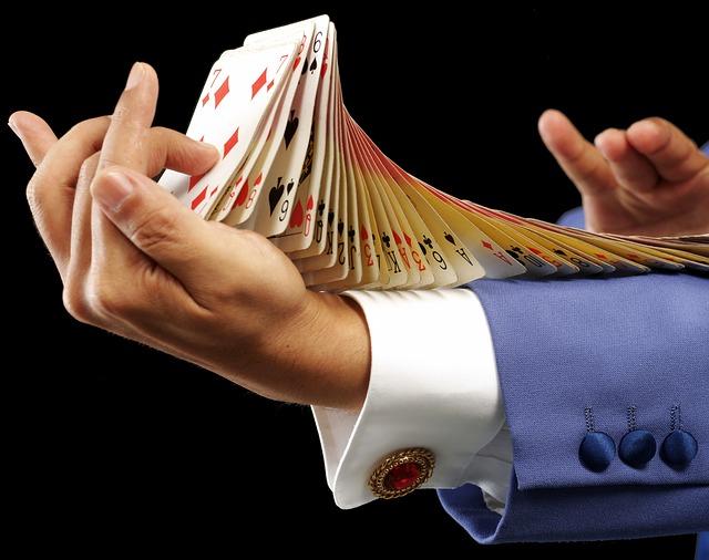 karetní trik kouzelníka