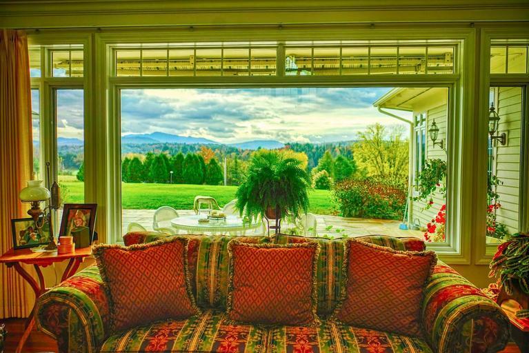 obývací pokoj s pohovkou.jpg
