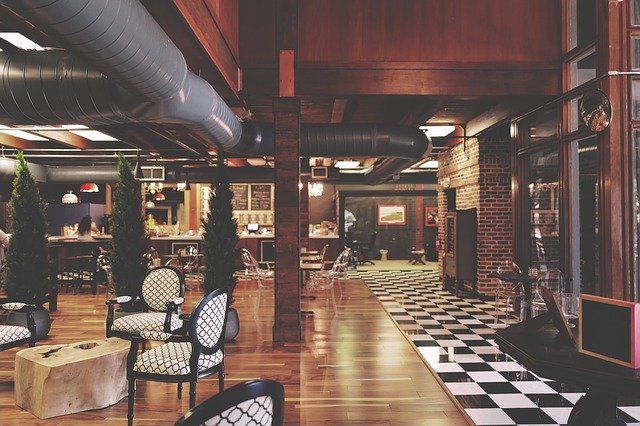 suterén hotelu