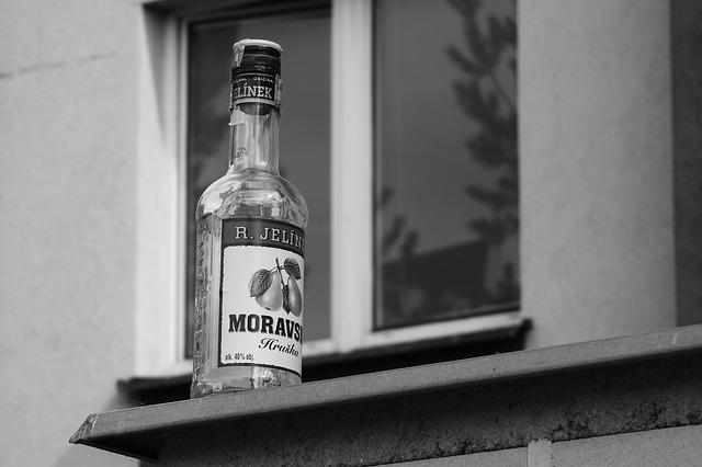 flaška hruškovice.jpg