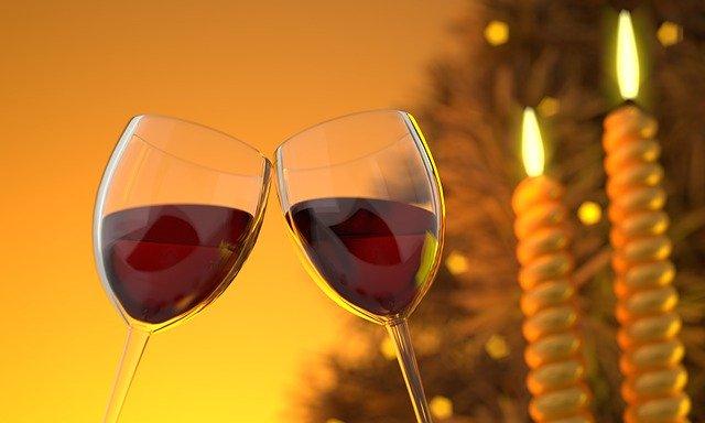 svíčky u vína
